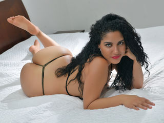 camgirl playing with dildo AliceDaviss