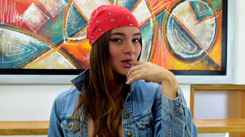 KARLAHAMILTON | Jasmin