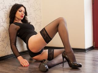 hot strip tease web cam AsteliaLove