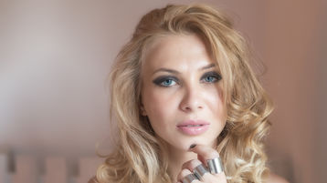 CindyMae | Jasmin