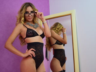 cam girl showing tits CorinneAmalia