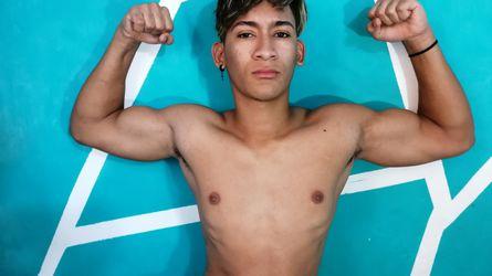 muscularSEXYboy