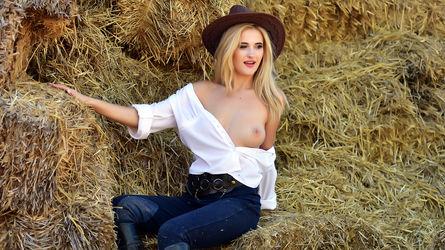AmandaBlond | LiveJasmin