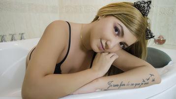 MiaFerri | Jasmin