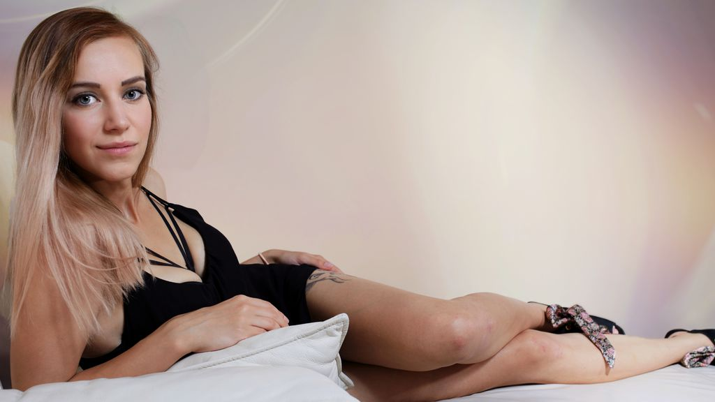 Watch the sexy KatieKiss from LiveJasmin at GirlsOfJasmin