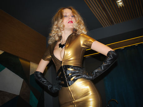 Live show with Mistress YourLatexGODess