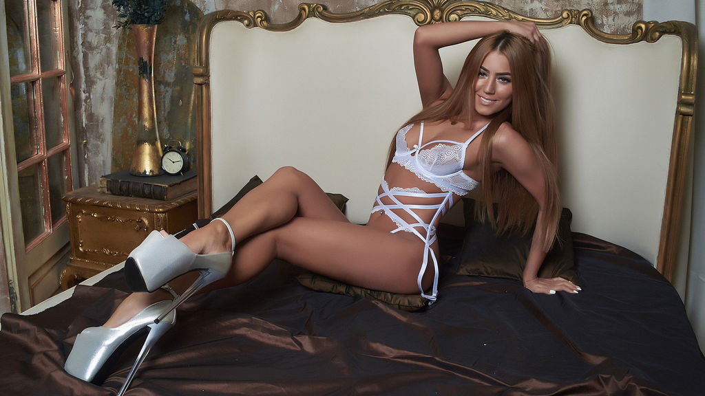 Discover and Live Sex Chat with AbbelaWhite on Live Jasmin