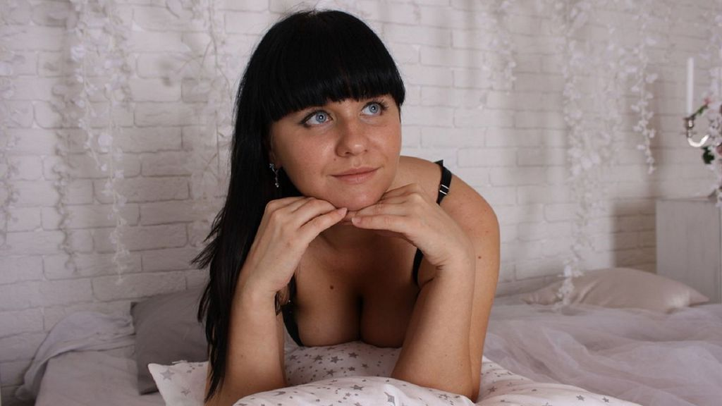 VeraMilton online at GirlsOfJasmin