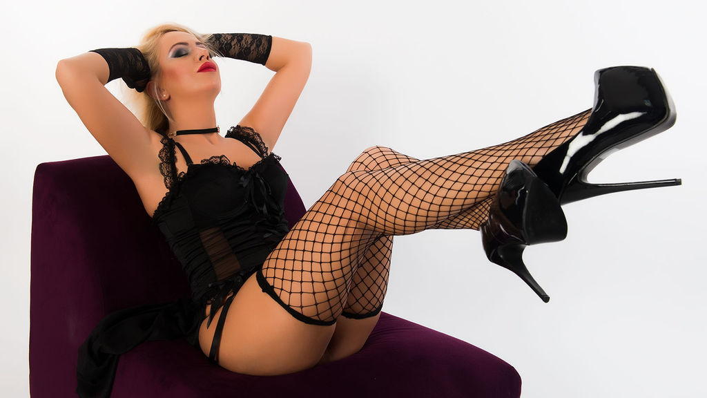 RebekaRose online at GirlsOfJasmin