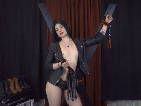 Live show with Mistress EmmaBodyInk
