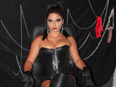 Live show with Mistress MissHerra