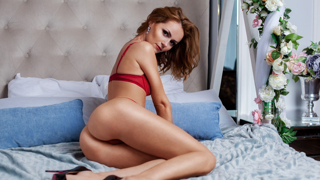 AlizeeMills online at GirlsOfJasmin