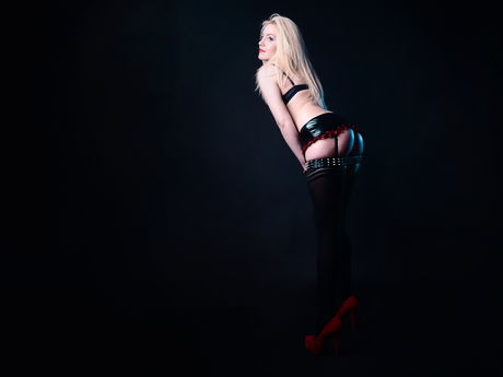 Live show with Mistress CharlotteQueen