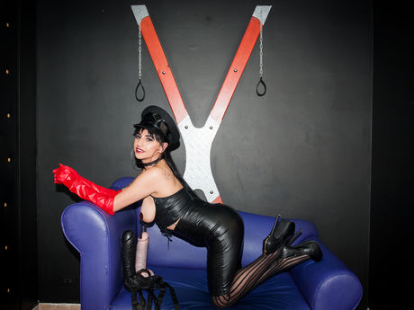 Live show with Mistress NinaBond