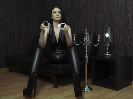 Live show with Mistress DeviantGoddess