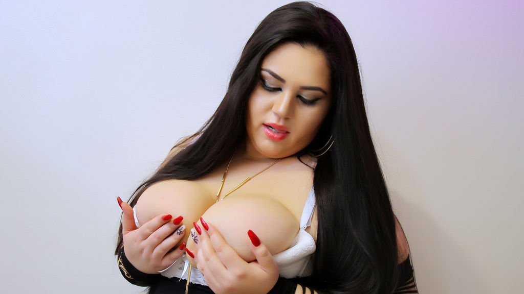 StephanyQueen online at GirlsOfJasmin
