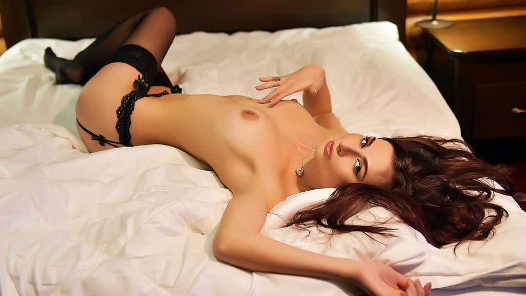 Discover and Live Sex Chat with Yaniina on Live Jasmin