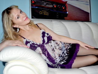 Cam to Cam Live Show with MadamBovari
