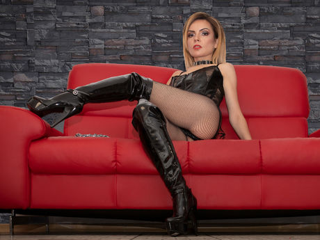Live show with Mistress DomCaprice