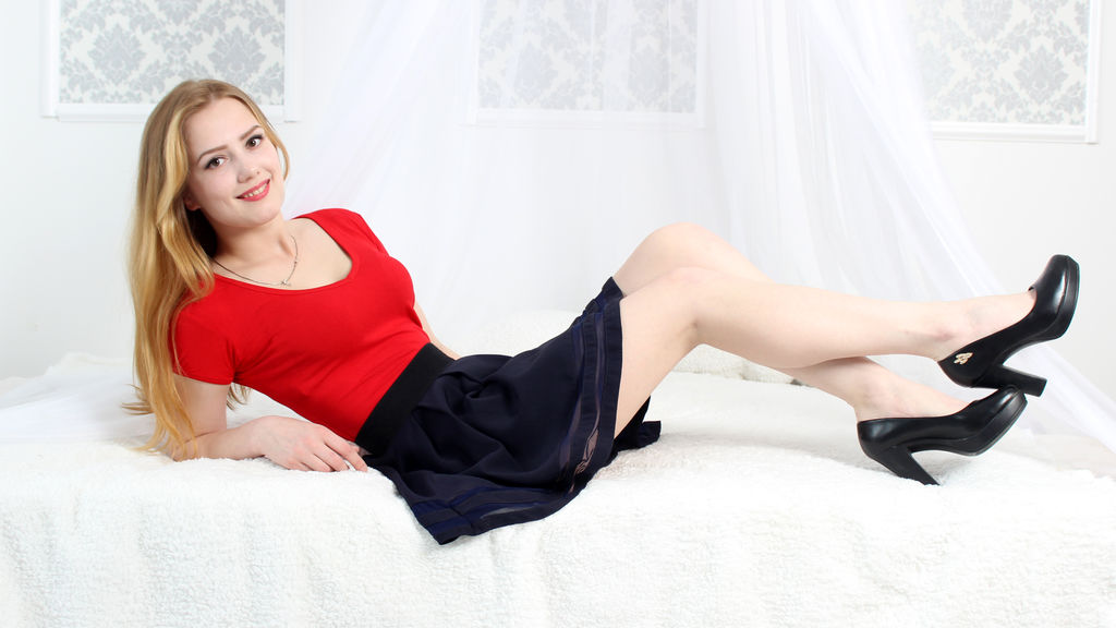 Watch the sexy PrettyArisha from LiveJasmin at GirlsOfJasmin