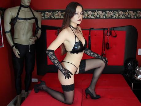 Live show with Mistress DakotaGrey