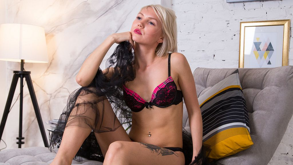 Watch the sexy HotBlondJess from LiveJasmin at GirlsOfJasmin