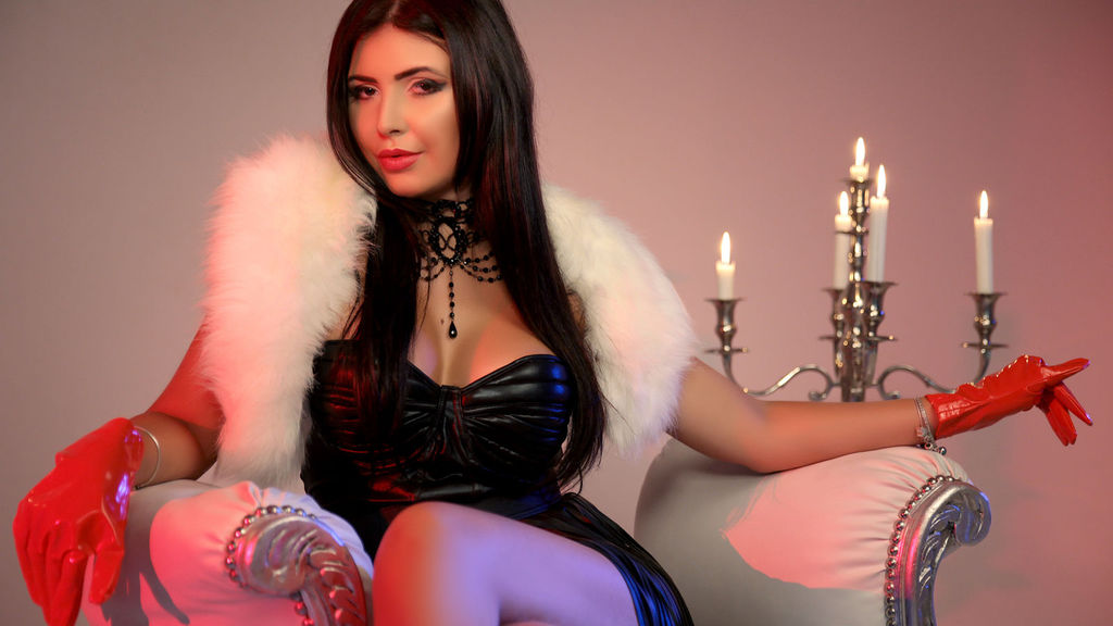 Read more about the sexy MistressKendraX