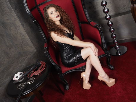 Live show with Mistress EvellineRose