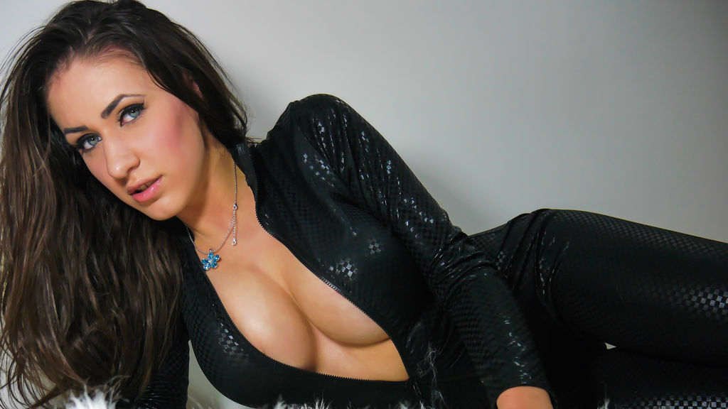 Watch the sexy deeana89 from LiveJasmin at GirlsOfJasmin