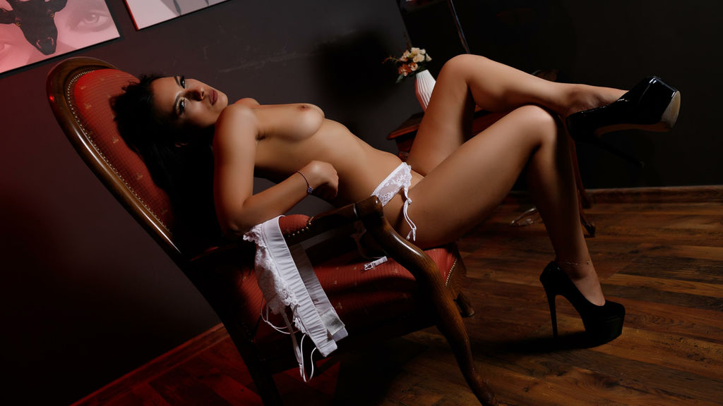 LucyLuvv online at GirlsOfJasmin