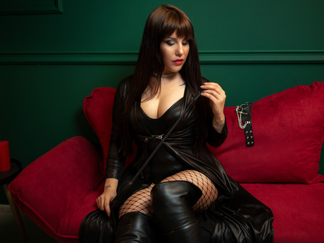 Live show with Mistress MiaHughes