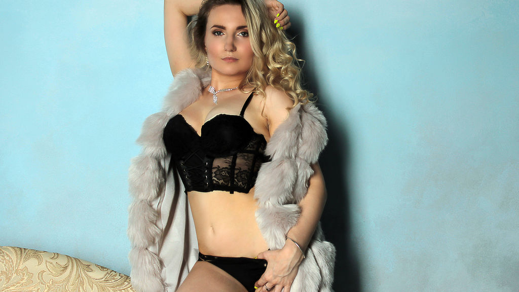 Discover and Live Sex Chat with NadinBrave on Live Jasmin
