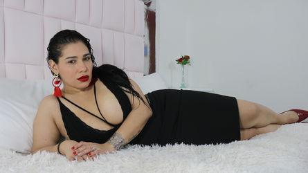 photo of AlessaBrom